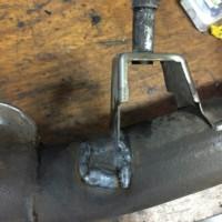 マフラー 亀裂 腐食 溶接 修理