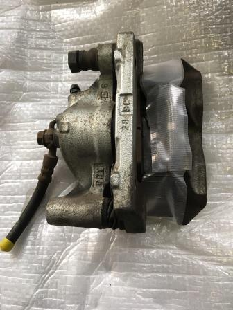 「レクサス」IS250 リヤブレーキキャリパー交換