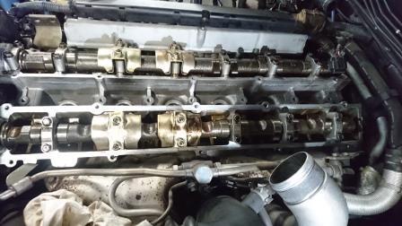 BNR34GT-R タペットカバーパッキン交換