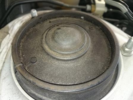 レガシィツーリングワゴン BR9 フロントアッパーマウント 交換